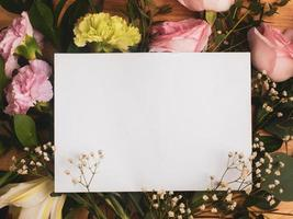 Empty card on a bouquet photo