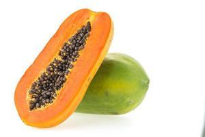 papaya fruta aislada foto