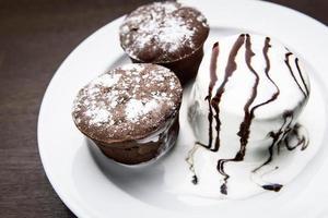 Chocolate muffins with ice cream