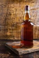 botella de whisky foto