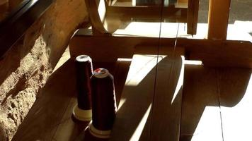 máquina de seda hilada de madera video