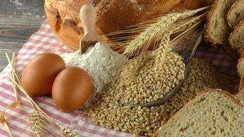 farinha de pão ovos e trigo