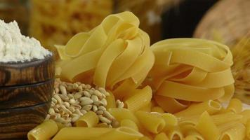 pasta seca penne y pappardelle