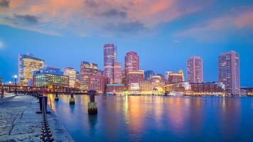 horizonte del centro de la ciudad de boston, estados unidos foto