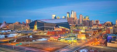 Horizonte del centro de Minneapolis en Minnesota, EE. foto