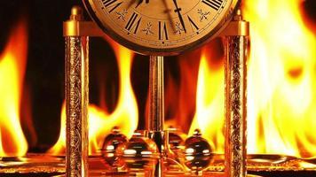 tempo em chamas queimando horas