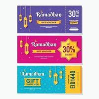 colorido diseño de venta de cupones de ramadán vector