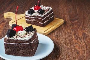 rebanadas de pastel de chocolate foto