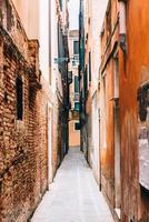 Tourist routes of the old Venice streets of Italy