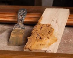 Putty on wood photo