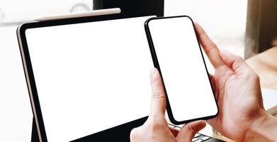 maqueta de teléfono inteligente y tableta foto