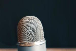micrófono de estudio de podcast foto