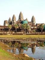 Siem Reap, Camboya, 2021 - Templo de Angkor Wat en reparación foto
