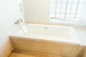 White bathtub decoration photo