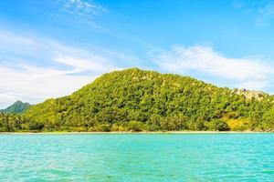 hermosa isla tropical, playa, mar y océano
