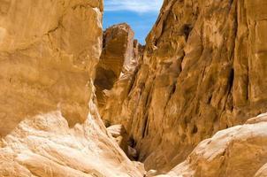 altas montañas rocosas foto