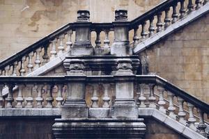 Arquitectura de escaleras en la calle en la ciudad de Bilbao, España foto