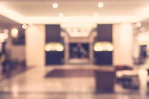 Lobby del hotel desenfoque abstracto - filtro vintage foto