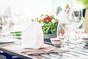 mesa de comedor en el restaurante del hotel foto