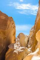 cañón de rocas y cielo foto