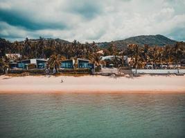 Vista aérea de una playa tropical en la isla de Koh Samui, Tailandia