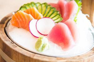 pescado sashimi fresco