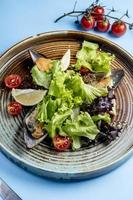ensalada de verduras con ostras