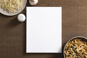 concepto de comida deliciosa laicos plana con espacio de copia foto
