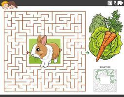 Laberinto juego educativo con conejo con zanahoria y lechuga.