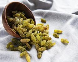 Green dried raisins photo