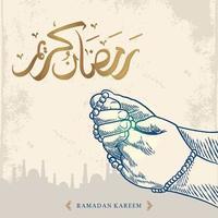 La tarjeta de felicitación de Ramadán Kareem con un bosquejo de la mano en oración azul y la caligrafía árabe dorada significa Ramadán de acebo. aislado sobre fondo blanco. vector
