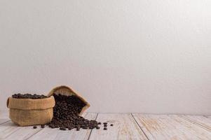 Me encanta beber café para obtener energía.