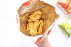 papas fritas en una bolsa