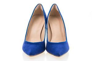 zapatos de tacón azul foto