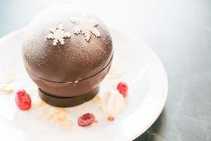 bola de navidad de chocolate foto