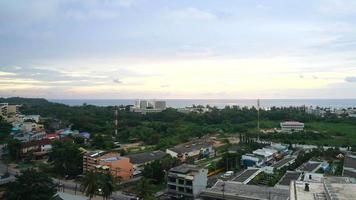 Zeitraffer Phuket Stadt Skyline in Thailand