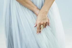 Bride wearing chunky gold ring