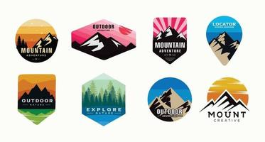 conjunto de camping, escalada logo o etiqueta. viaje de senderismo, caminata conjunto de iconos. vector