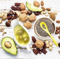 Selección de fuentes alimentarias de omega 3 y grasas insaturadas. foto
