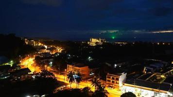 timelapse cidade de phuket à noite