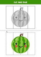 Corta la imagen de una linda sandía kawaii y pégala. vector