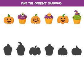 encuentra la sombra de lindos muffins de halloween y calabazas jack o lantern. vector