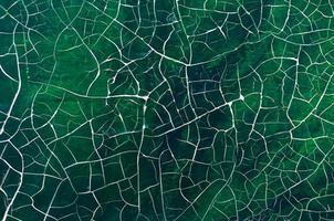pintura verde agrietada foto