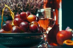 fruta y vino foto