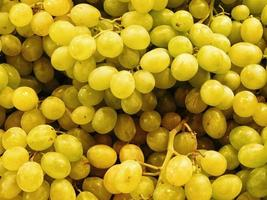 Pile of green or yellow grapes