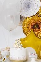 decoraciones de oro para baby shower foto