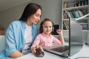 Parent and child e-learning photo