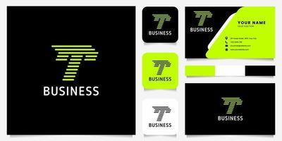 Flecha verde brillante, líneas redondeadas, logotipo de la letra t en fondo negro con plantilla de tarjeta de visita
