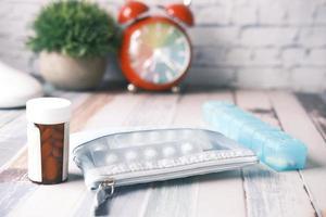 Medicamentos con despertador en segundo plano.