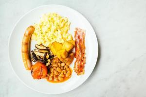 plato de desayuno inglés foto